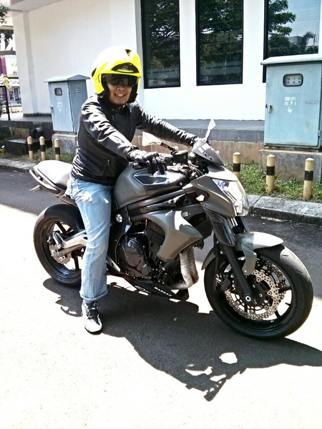 Test Ride Kawasaki ER6N 2