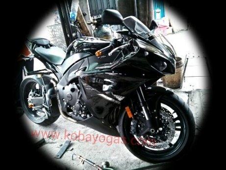 Yamaha R1 2013 hitam 1