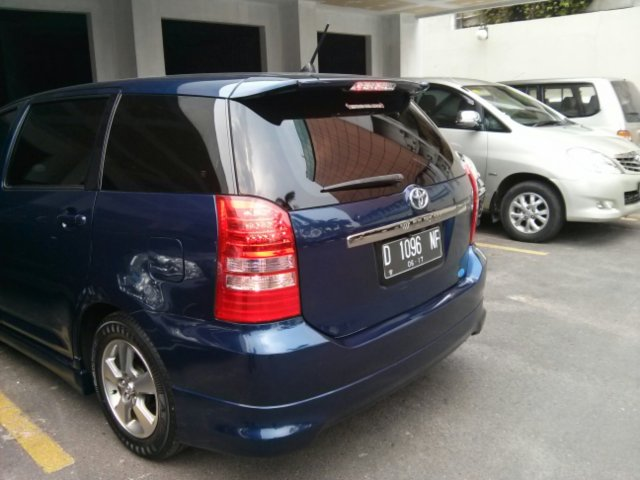 first impression Toyota Wish 2006 1