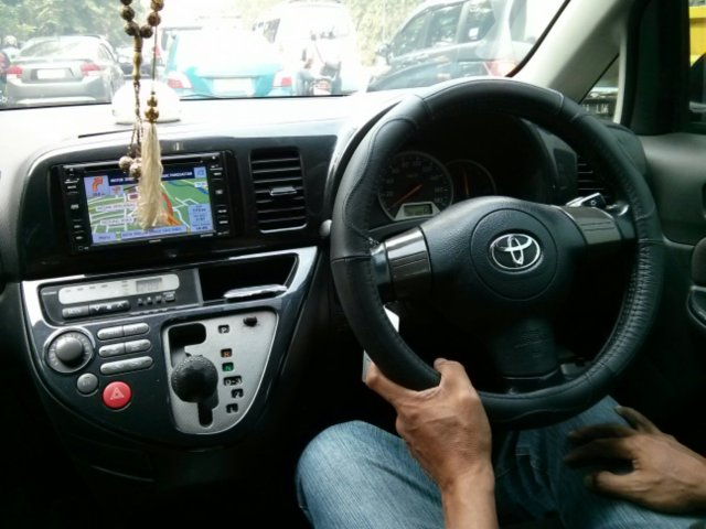 dashboard Toyota Wish 2006 1