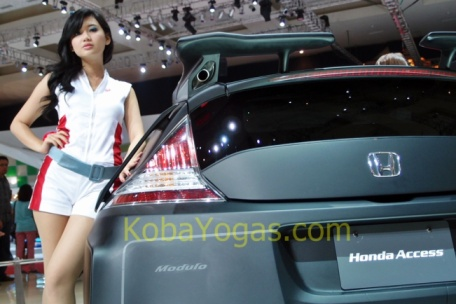 Girls and Honda