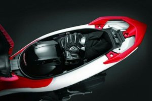 wpid-2013-Honda-Air-Blade-Storage-Space-600x400.jpg
