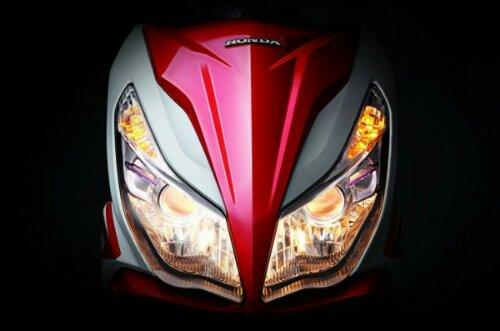wpid-2013-Honda-Air-Blade-Twin-Projector-Headlights-600x397.jpg