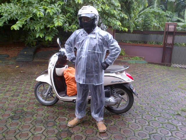 Test Produk Jas Hujan One Heart Dari Honda AHM