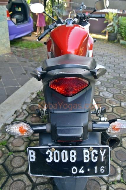 Honda CBR250R 2011