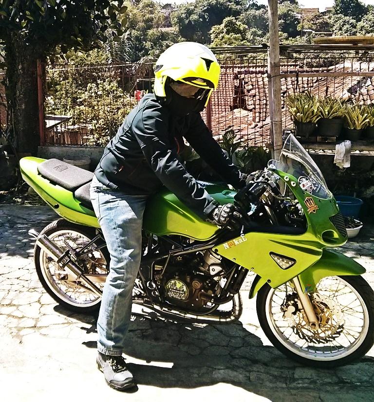 Test Ride Kawasaki Ninja RR