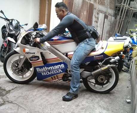 MC28 R modif lovery Rothmans
