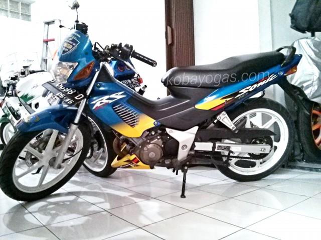 ini sonic 125 4 tak indonesia/ thailand