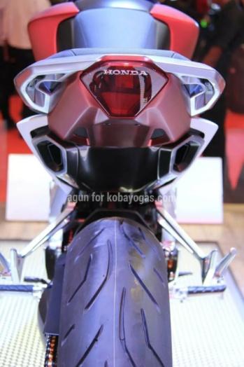 Honda SFA belakang