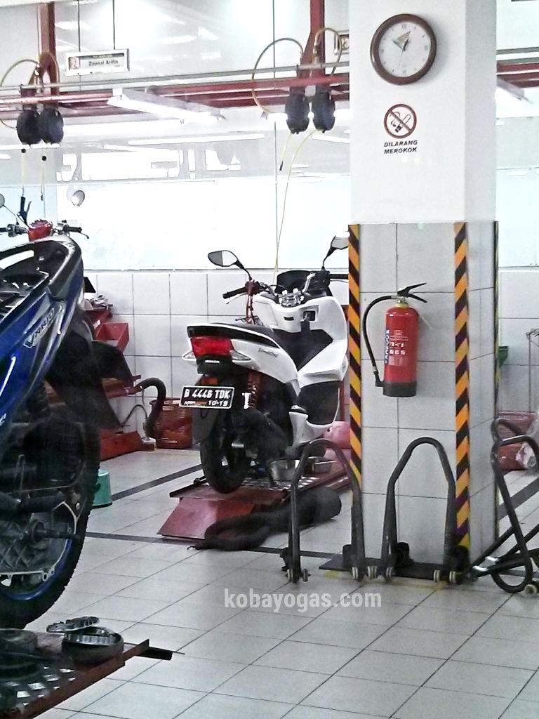 sharing pengalaman service 1000 km new honda pcx 2014 di jakarta