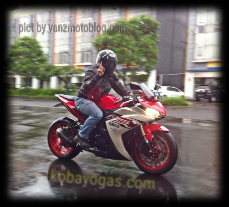 test ride yamaha R25 modif mono Arm dan upside down