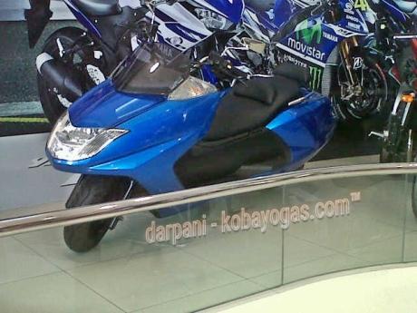 Yamaha Maxam