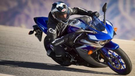 Yamaha R3 2