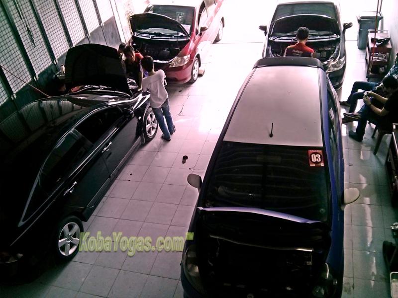 50+ Gambar Mobil Honda Jazz Di Bengkel HD