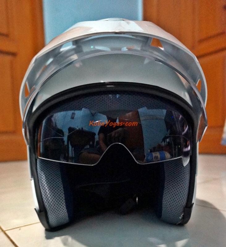 penampakan helmet open face bawaan yamaha nmax