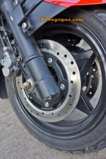 Dual disc brake di depan