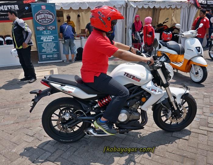 First Ride Benelli TNT 250, Suaranya Merdu Performanya Kok
