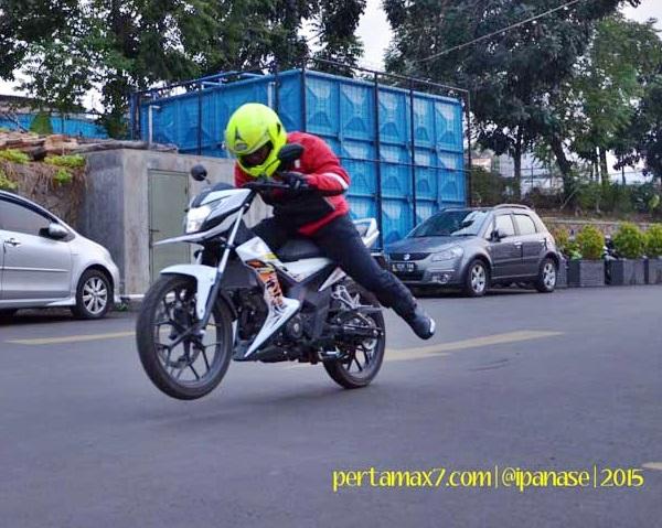 Honda Sonic Wheelie by kobayogas.com 3