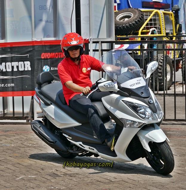 250i Bmw: Test Ride Dan Review SYM GTS 250i