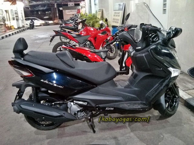 SYM GTS 250i 2015 1