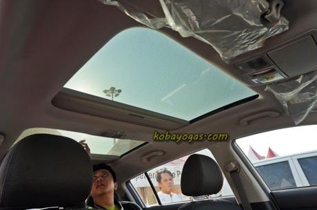 panoramic dan sun roof menyelamatkan fiturnya