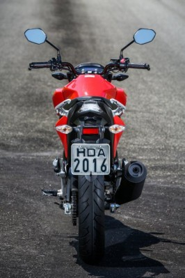 honda-cb-twister-250-2016 back