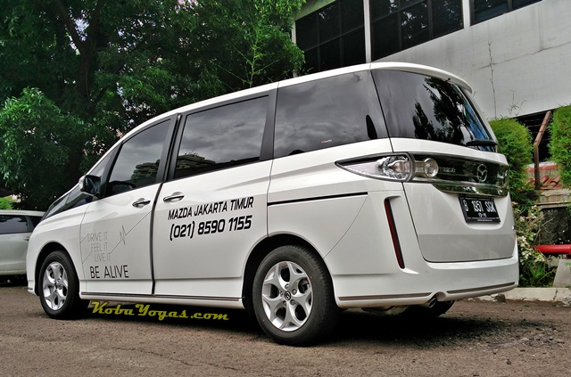 Mazda Biante Putih 2015 7