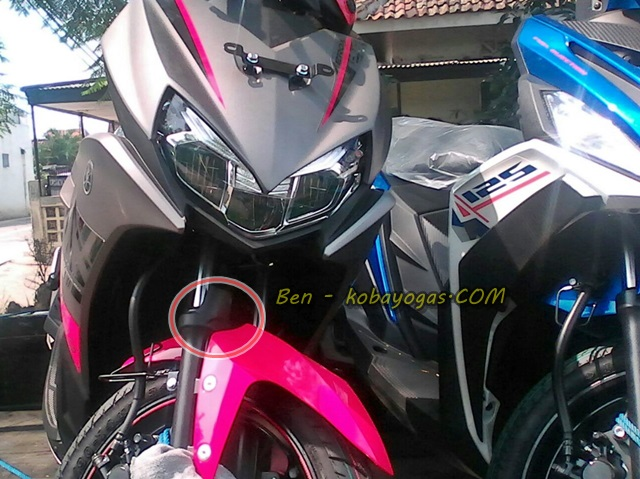 Yamaha aerox magenta