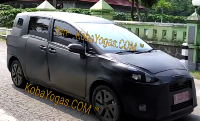 spy shot toyota Sienta indonesia
