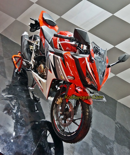 New CBR150R 2016 racing red kobayogas