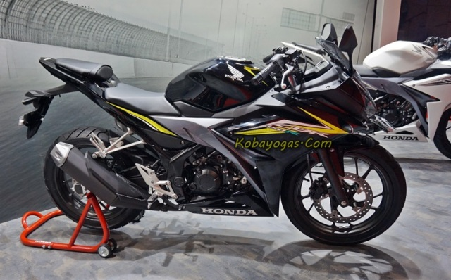 New CBR150R black kobayogas