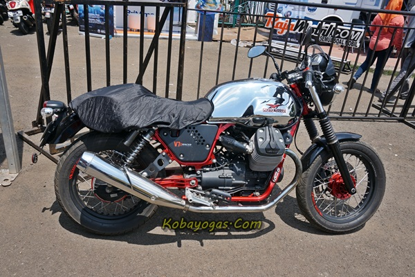 Moto Guzzi V7-II Racer
