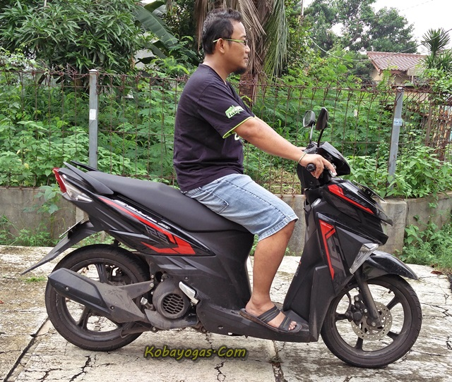 Yamaha New GT125 Eagle eye hitam samping